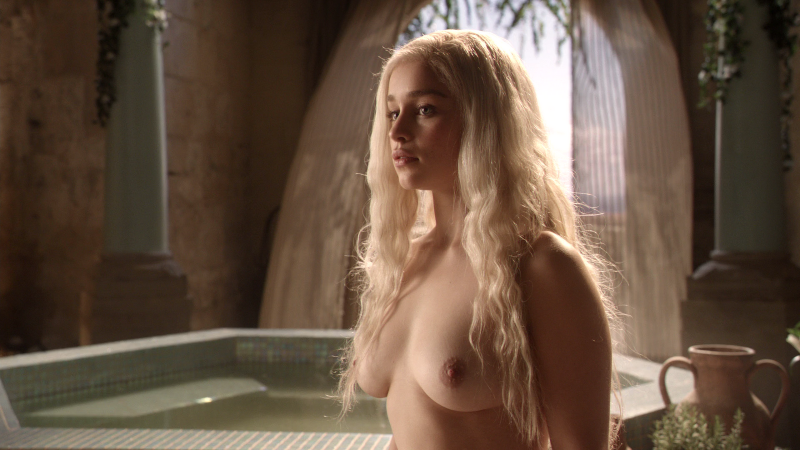 emilia-clarke-desnuda