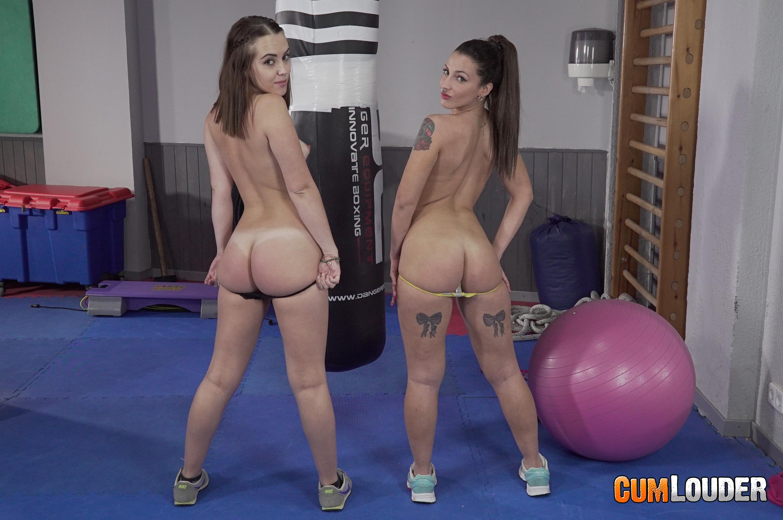 dos chicas follando tías buenas desnudas
