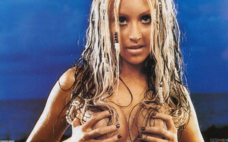 cristina-aguilera-en-topless (10)