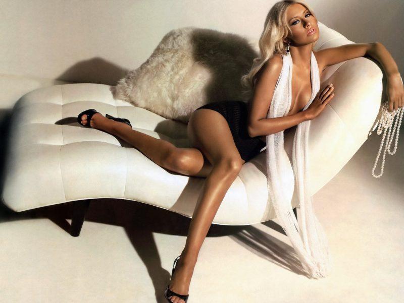 cristina-aguilera-en-topless (4)