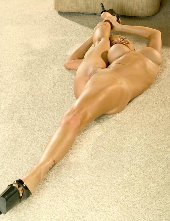 fotos rubia tetona flexible y elastica (10)