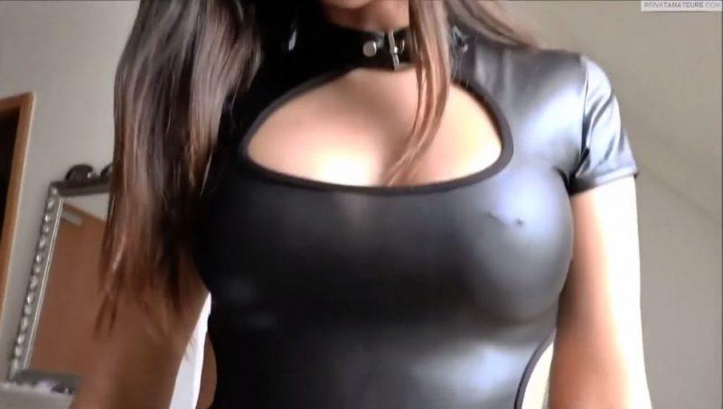 Sexo con una exuberante alemana con vestido de latex apretado