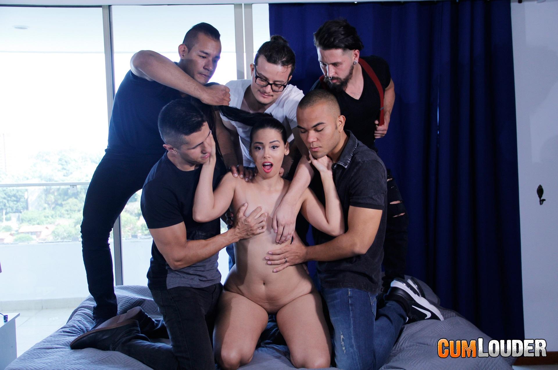 Muchos Chicos Una Chica Porno andreina dlux follada en un casting porno por varios chicos