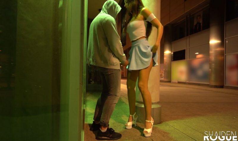 Sexo con chica guapa y alta en la calle